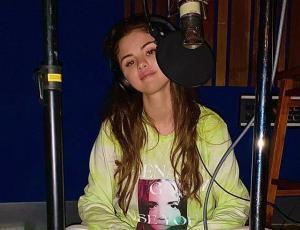 Selena Gómez estrena nuevo álbum y envía mensaje a sus fans