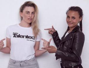 Ex modelo británica asegura que su hija de 14 años debe operarse para tener éxito