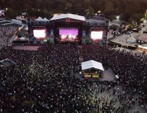 Guns N' Roses, The Strokes y Travis Scott lideran el cartel de Lollapalooza 2020