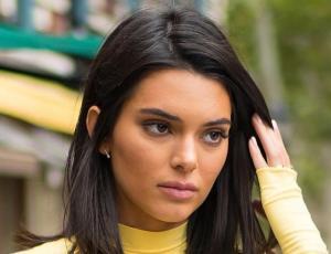 Kendall Jenner quiere saber si le queda bien el flequillo