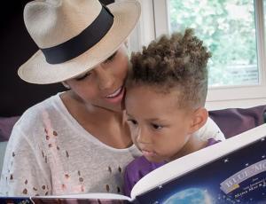 """Alicia Keys no deja que sus hijos vean """"Blancanieves"""""""