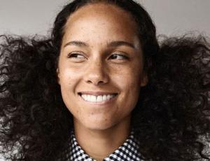 Alicia Keys hizo aclaración a quiénes la critican por no usar maquillaje