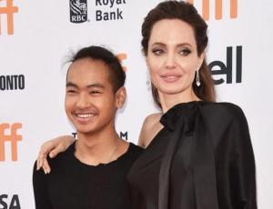Angelina Jolie llora luego de dejar a su hijo Maddox en la universidad