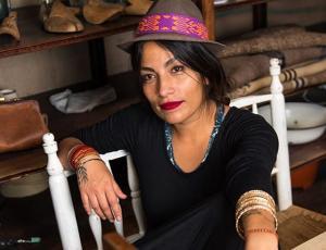 Anita Tijoux crea conciencia sobre el trabajo y los hijos en las mujeres