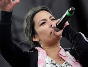 """""""Cacerolazo"""": La canción de Anita Tijoux sobre las manifestaciones en Chile"""