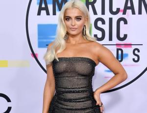 """Bebe Rexha revela que diseñadores no la quieren vestir  para los Grammy por ser """"demasiado grande"""""""