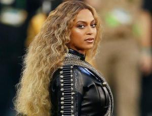 Usuarios se rinden ante Beyoncé y su increíble disfraz de Halloween