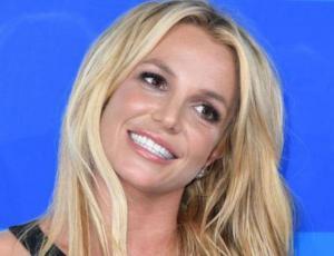 Britney Spears no rehúsa del pantalón a la cadera