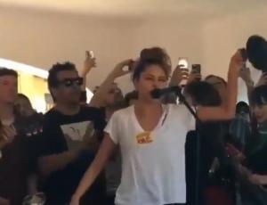 Cantantes chilenos se presentaron en masiva convocatoria en Plaza Nuñoa