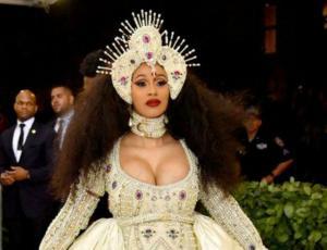 ¿Inspirado en Beyoncé ? El look de Cardi B en la MET gala 2018
