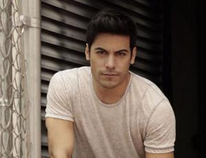 Carlos Rivera en Chile consigue éxito de ventas a dos meses de su show