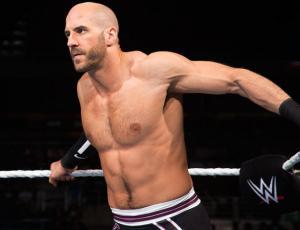 Luchador de la WWE sorprende con visita a los niños de la Teletón