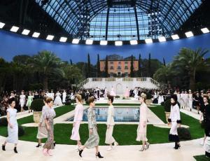 Chanel presentó su colección de primavera en París sin Karl Lagerfeld