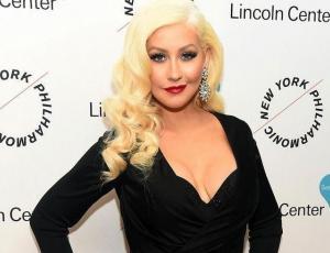 Christina Aguilera aparece irreconocible en entrevista