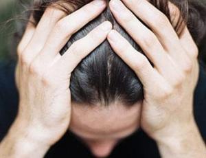 Psicólogos explican cómo ayudar a una persona con crisis de pánico