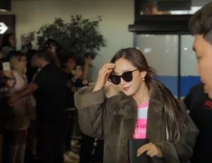 Fanáticos repletan el aeropuerto en espera de sus ídolos del K-pop