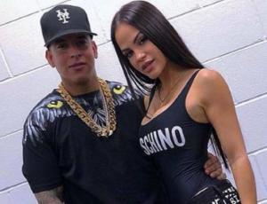 Esposa de Daddy Yankee habla de la cercana relación del cantante con Natti Natasha