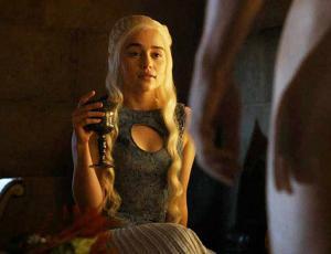 Emilia Clarke Revela Un Gran Secreto Tras Su Sesión Desnuda Ar13cl