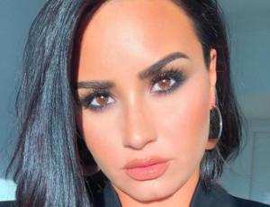 Demi Lovato se refiere abiertamente a su celulitis