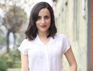El osado escote de Camila Hirane que se robó todas las miradas en evento del  CNTV