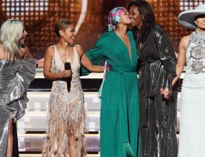 La sorpresiva aparición de Michelle Obama en los Grammy Awards
