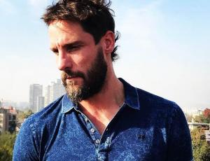 Gonzalo Valenzuela cambia de look por una noble causa