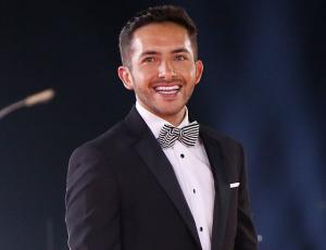 Hugo Valencia muestra el retoque que le hizo a su rostro