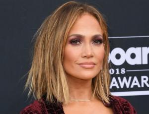 Jennifer Lopez se luce bailando junto a la hija de su novio