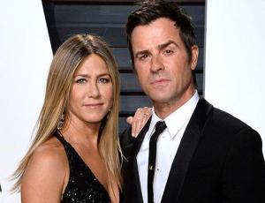 Captan a ex marido de Jennifer Aniston de vacaciones con Emma Stone