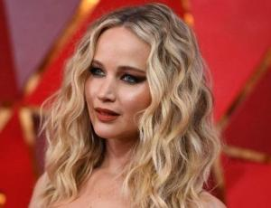 Jennifer Lawrence luce irreconocible con ropa casual