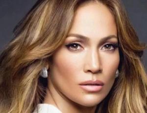 Jennifer Lopez da a conocer el secreto de sus bíceps