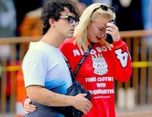 ¿Por qué Sophie Turner lloraba desconsoladamente junto a Joe Jonas?