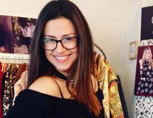 Karla Melo recibe la primavera en bikini vintage
