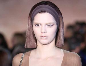 Kendall Jenner reveló que apenas cumplió 18 años la hicieron modelar sin sostén