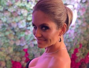 El infartante y abultado escote de Kenita Larraín en la Gala de Viña 2019