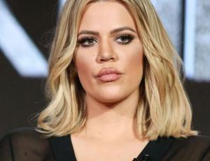 Captan a Khloé Kardashian con tremendos labios y se especula nuevo retoque
