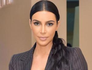 Kim Kardashian reveló que llegó a usar tres fajas para recibir halagos en Instagram