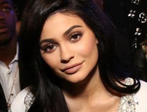 Kylie Jenner confiesa en emotivo video que sufrió bullying desde los 9 años