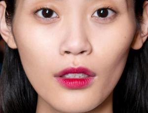 La nueva tendencia en maquillaje de labios es difuminar el color