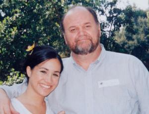 Padre de Meghan Markle podría testificar contra su hija en juicio contra diario británico