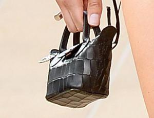 Las mini carteras que se tomaron el New York Fashion Week