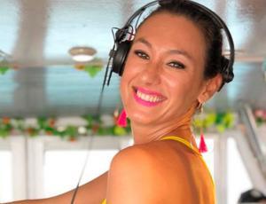 Andrea Dellacasa sorprende con nuevo look y encanta a sus seguidores