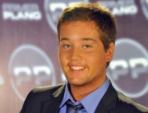 Foto del rostro de Nicolás Yunge genera comentarios que decide responder