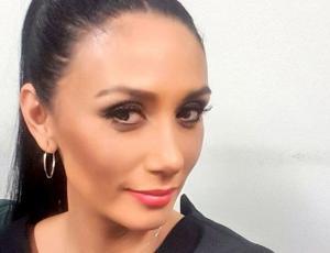 Pamela Díaz es criticada por pintar las uñas de su hija de casi dos años