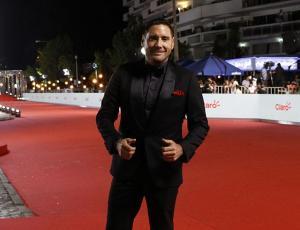 El significativo pañuelo que llevó Pancho Saavedra en la Gala de Viña