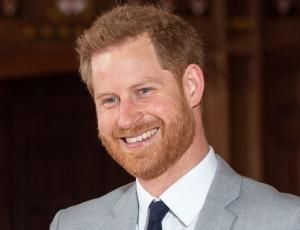 Príncipe Harry llega a Canadá para reunirse con su familia
