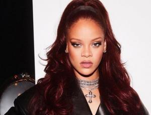 No está en Chile: Captan a Rihanna en un partido de cricket en Inglaterra