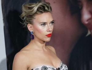 Scarleth Johansson se luce en bikini al natural y desata ola de comentarios