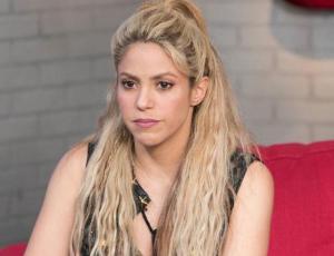 Shakira es criticada por lucir su celulitis
