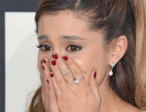 Ariana Grande intentó arreglar su tatuaje en japonés pero lo empeoró todo